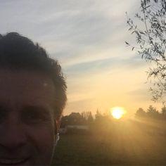 Kamera voll in die Sonne - macht nix! So sah es nämlich aus (...und war dennoch hundekalt)! #streakrunning #running #laufen #sundowner #sunandfun #worlderunners #irun #boost #berlin #spandau #feld #instarun #runnerscommunity #runnerland #runhappy #happyrun #tuesday #picoftheday #photooftheday #action #getfaster #crossfit #naturerunning #gesund #nodiet #eatforabs