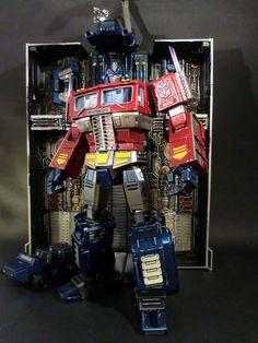 Encline Designs | Custom Masterpiece Optimus Prime | #transformers #toys
