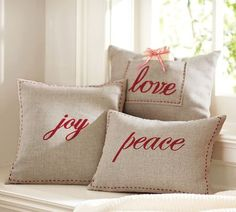 How to - Handmade Christmas Pillows. simple enough to add with existing pillows! Christmas Sewing, Christmas Embroidery, Christmas Projects, Handmade Christmas, Holiday Crafts, Holiday Decor, Sewing Pillows, Diy Pillows, Homemade Pillows