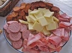 Fun and creative theme party food ideas for sensational celebrations. Quick and easy party dishes, fabulous finger foods, and cutesy kids treats. Easy Appetizer Recipes, Appetizer Dips, Appetizers For Party, Meat Cheese Platters, Meat And Cheese, Meat Platter, Summer Sausage Recipes, Italian Meats, Party Dishes