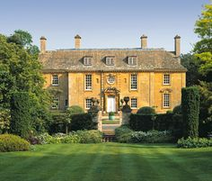 ARCHITECTURE – another great example of beautiful design. classicalbritain: Eyford House