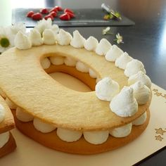 Food Cakes, Cupcake Cakes, Bolo Fondant, Cake Lettering, Cake Recipes, Dessert Recipes, Ring Cake, Number Cakes, Cake Flavors