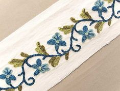 2-Yards-Wide-Hand-Embroidered-Crewel-Trim-Wool-Embroidery-on-Cotton-Duck
