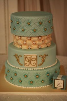 Teal and Ivory Wedding cake. #mesadedoces