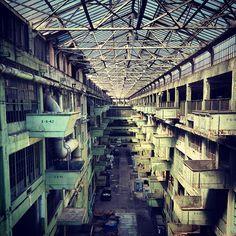 Vhils - Ford's Model T factory