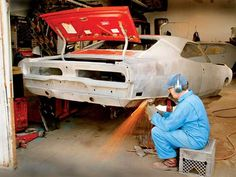 Finding The Right Auto Repair Shop For Your Car. If you have experience with car troubles, you will surely attest to the frustration they cause. Given the prevalence of shady auto repair techs, you may fi Auto Body Repair Shops, Truck Repair, Auto Body Work, Metal Shaping, Car Restoration, Car Mods, Diy Car, Car Painting, War