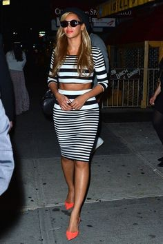 Beyoncé Teams Up With Topshop For Clothing Line- http://getmybuzzup.com/wp-content/uploads/2014/10/382365-thumb.jpg- http://getmybuzzup.com/beyonce-teams-topshop-clothing-line/- By Don Bleek Beyoncé and fashion is a perfect blend! She's one of best dressed female celebrities. Whether she is doing a photoshoot, covering a magazine, fashion editorial, video shoot, shooting an album package, walking the red carpet or on tour, Bey is always dressed to kill. ...- #Beyoncé