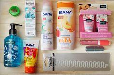 Hallo ihr Lieben, auf dem Blog findet ihr jetzt meinen Beitrag zu der Schön für mich Box Mai. Es sind mal wieder so einige tolle Produkte dabei. <3  #lavera #sfmbox #palmolive #review #isana #rossmann #kneipp #beauty #beautyblogger #unboxing #alterra