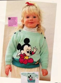 PULL AVEC MICKEY ET MINNIE......AU TRICOT. Pull Jacquard, Pull Bebe, Knitting Designs, Knitting Patterns, Crochet Patterns, Boys Sweaters, Baby Knitting, Knitting For Kids, Crochet For Kids