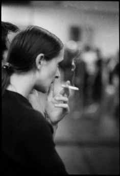 nOmade dans l'heRbe (lepetitmonsieurcocosse: Pina Bausch by KH. Pina Bausch, People Smoking, Women Smoking, Black And White Prints, Black N White Images, Burlesque, Theater, Tutu, Dance Teacher