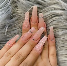 Amazing Long Nails Designs for Every Woman in 2020 Nail Color Trends, Spring Nail Trends, Spring Nails, Nail Colors, Collection Mac, Makeup Collection, Long Nail Designs, Fall Nail Designs, Rose Nail Design
