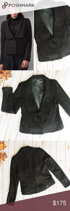 Free People Herringbone Blazer    Wool ★ Excellent Condition  ★ Reasonable Offers Accepted  ★ Measurements Available Upon Request ★ Fabric makeup Available Upon Request ★ NO TRADES ★ NO MODELING (12345) Free People Jackets & Coats Blazers