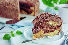Krydret og saftig sjokoladekake. Oppskriften får du her! Tiramisu, Banana Bread, Sweets, Baking, Ethnic Recipes, Desserts, Food, Tailgate Desserts, Deserts
