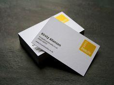 Una tarjeta de presentación es un elemento estándar para cualquier cliente potencial nuevo. Incluso en la era digital, la impresión de tarjetas de presentación, todavía se considera una de las maneras más eficaces de hacer y mantener relaciones. Las tarjetas de presentación son una parte esencia