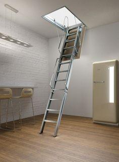 Чердачная лестница с люком - модный помощник в доме http://happymodern.ru/cherdachnaya-lestnica-s-lyukom-modnyj-pomoshhnik-v-dome/ Крепкая и надежная лестница с телескопическим механизмом