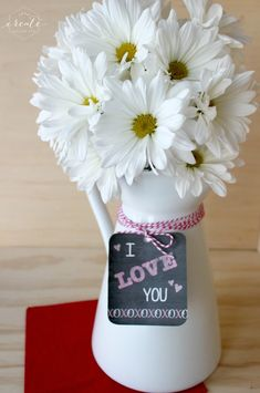 "Free ""I Love You"" Chalkboard Printable gift tag :) xo"
