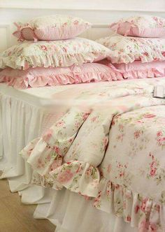 rosecottage.quenalbertini: Bedroom