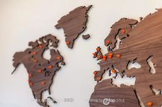 MapaWall world maps. Luxury world maps made from high quality materials that can be personalized by marking the map with fine pin-magnets. Wooden Map, Wooden Walls, Map Projects, Projects To Try, World Map Decor, World Map Pin, Wood World Map, Wall Maps, Travel Wall