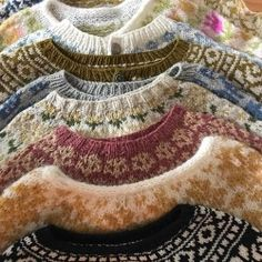 uploaded by cyndi Noora Skam, Remus And Sirius, Chicano, Sweater Weather, Cute Outfits, Cozy, Warm, My Style, Crochet