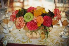 Perfection of zinnias, dahlias, Chinese lanterns, and asclepias The pink ones are awesome - do they come in yellow or white? Fall Floral Arrangements, Table Arrangements, Floral Wedding, Wedding Flowers, Zinnias, Dahlias, Chinese Lanterns, Vintage Circus, Summer Flowers