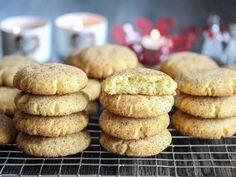 Snickerdoodles: Amerikanske småkaker med kanel | Godt.no Sweet Recipes, Cake Recipes, Sweets, Cookies, Baking, Food Cakes, Crack Crackers, Cakes, Easy Cake Recipes