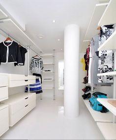 Valkoinen vaatehuone