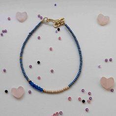 Simple pearl bracelet blue /nude sand beads with blue stone | Jewelry | Bracelets #simple #beads #bracelet #blue #fashionista #style #jewelry