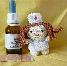 Kleine Krankenschwester - Kostenloses Amigurumi Pdf Häkelmuster - free pdf pattern in english too