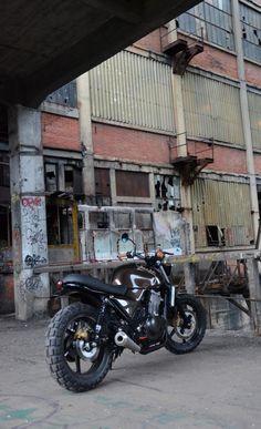 Scrambler, préparation Freeride Motos Racing