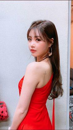 South Korean Girls, Korean Girl Groups, Secret Song, Soo Jin, Girl Themes, Hourglass Figure, Cube Entertainment, Soyeon, K Idols