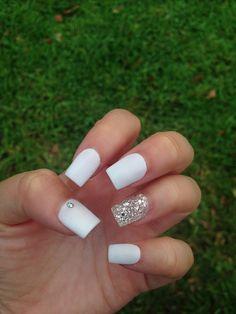 Unique Acrylic Nail Powder Near Me- Acrylic Nails Acrylic Nails 2017, Acrylic Nail Powder, White Acrylic Nails, Powder Nails, Acrylic Nail Designs, White Nail Designs, White Acrylics, White Nails With Glitter, Silver Sparkle Nails
