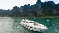 Second hull Numarine 105HT delivered in Hong Kong