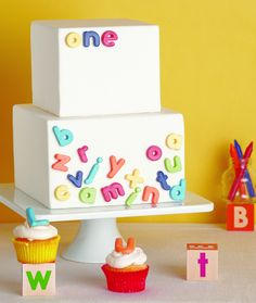 The TomKat Studio: Great Cake Decorating… love the alphabet fridge magnet look.