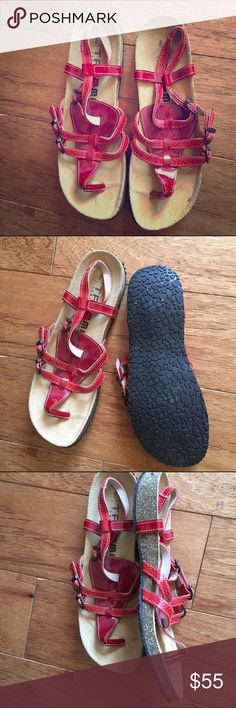 Birkenstock tatami mint cork red sandals 40 9 Mint condition never worn outside red patent leather Birkenstock Shoes Sandals