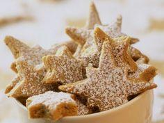 Sternplätzchen ist ein Rezept mit frischen Zutaten aus der Kategorie Zimtsterne. Probieren Sie dieses und weitere Rezepte von EAT SMARTER!