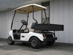 This 2007 club car ds electric golf cart is equipped with deluxe this 2007 club car ds electric golf cart is equipped with deluxe lights folding windshield sciox Choice Image