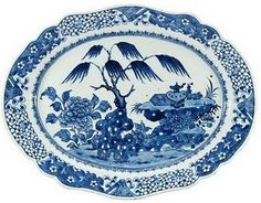 Blue and White Chinese antique porcelain -  dish, Qing dynasty Qianlong (1736-95)