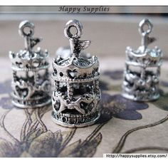 4Pcs Antiqued Silver Plated Bronze Carrousel Charms / Pendants (GG141)