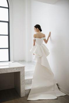 Thai Celebrity Noey Chotikas Wedding With a Zuhair Murad Ballgown