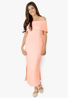 One of the most beautiful maxi dresses ever been created. Neoprene fabric, shoulder hugging, features side slits at the bottom, zippered back. One word – stunning! Floral Chiffon, Chiffon Fabric, Office Dresses, Casual Dresses, Designer Party Dresses, Beautiful Maxi Dresses, Collar Dress, Most Beautiful, Cold Shoulder Dress