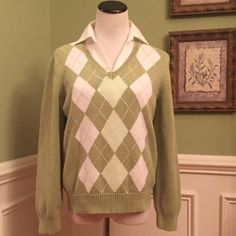 Extra Nice IZOD Sweater Beautiful colors of greens. Excellent condition. A good medium/heavy weight for extra warmth. You will enjoy this nice sweater. Priced to sell!!! IZOD Sweaters V-Necks