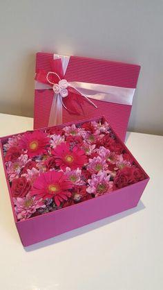 Подарочная коробка с цветами. Заказ www.pidu24.eu Kinkekarp lilledega. Tellimus www.facebook.com/teiepidu