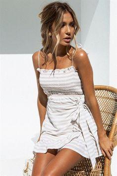 58 boho dress to rock this summer fashion 29 Trendy Summer Outfits, Spring Outfits, Cute Outfits, Summer Dresses, Summer Clothes, Outfit Summer, Skirt Outfits, Beach Clothes, Summer Hair
