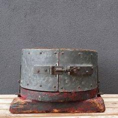 Caldero forrado hierro Industrial, Oil, Vintage, Cauldron, Filing Cabinets, Iron, Primitive