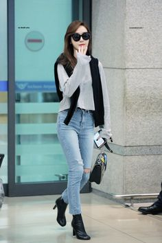 Jessica Arrived Incheon Airport back from Taoyuan Snsd Fashion, Korean Fashion Dress, Asian Fashion, Girl Fashion, Fashion Outfits, Womens Fashion, Jessica Jung Fashion, Airport Fashion Kpop, Korean Celebrities