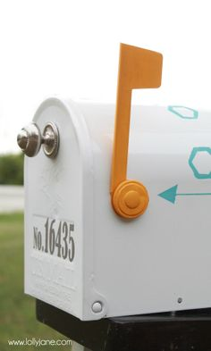 Easy mailbox makeover! What a transformation!