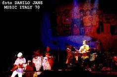 SANTANA - COMPLETE SESSION FOTOGRAFICA TRATTA DAI PROVINI SU PELLICOLA DAL VIVO AL PALATRUSSARDI DI MILANO ITALY IL 15 OTTOBRE 1994 Seconda Parte Di Danilo Jans http://fotodanilojans.blogspot.it/2013/11/santana-complete-session-fotografica.html