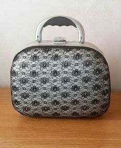 Check out this item in my Etsy shop https://www.etsy.com/uk/listing/464413420/upcycled-vanity-case-black-lace-matt