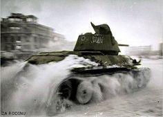 https://flic.kr/p/6YKsqL | Russian tank - Stalingrad 1942 | Recolored using Photoshop CS4