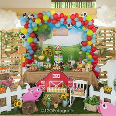 2nd Birthday Party Themes, Kids Party Themes, Boy Birthday Parties, Birthday Party Decorations, Farm Animal Birthday, Farm Birthday, Barnyard Party, Farm Party, Old Macdonald Birthday